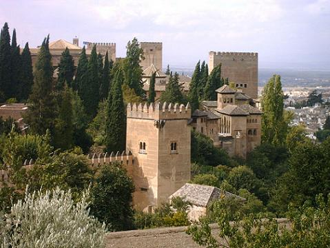La Alhambra. Torre de los Picos vista desde el Generalife