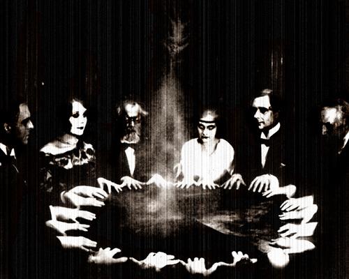 Jugando a la Ouija