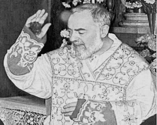 Padre Pío, el santo que derrama lágrimas de sangre