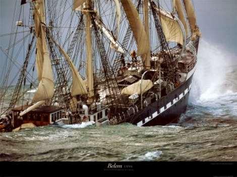 Barco y tormenta
