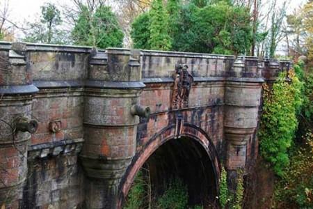 El Puente Overtoun y los perros suicidas