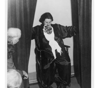Helen Duncan, la mujer del espiritismo